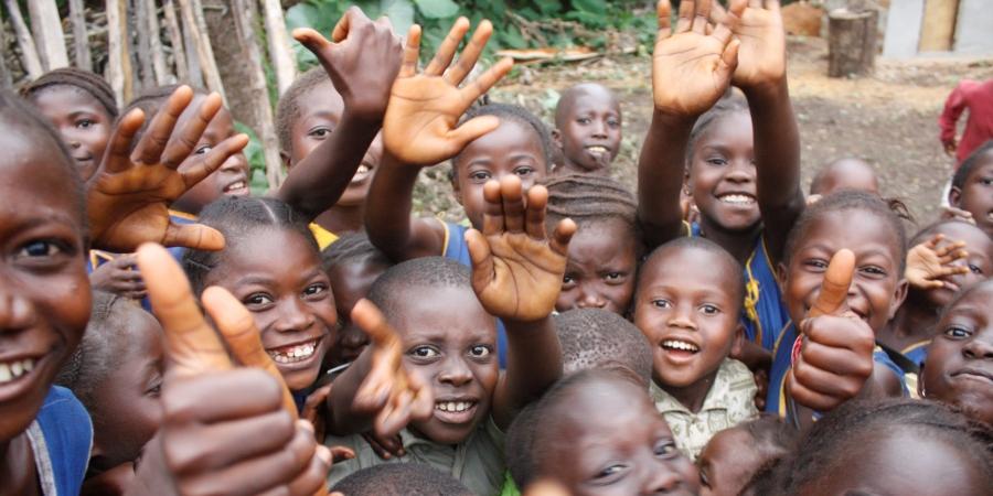 din bedrift kan samarbeide med verdige smil og støtte befolkningen i sierra leone