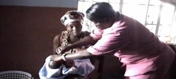 verdige smils arbeid i sierra leone går bl.a ut på å bekjempe mordødelighet i forbindelse med fødsel